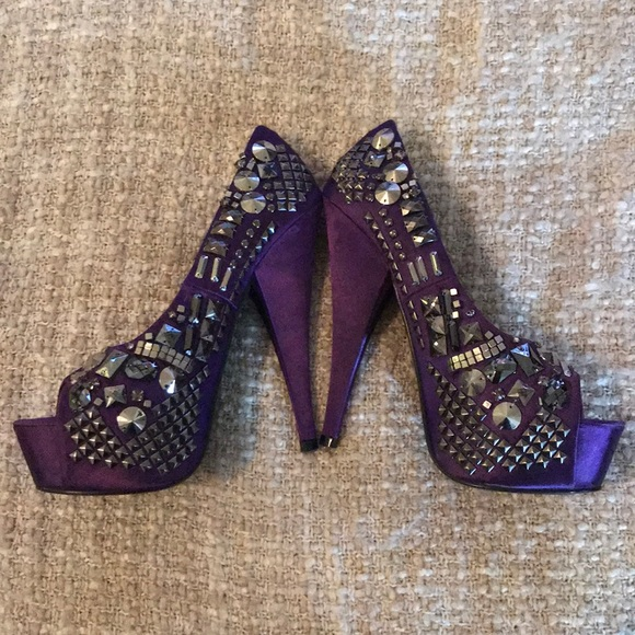 BOX 4 Kiss Kouture Platform Style High Heel Stiletto DIVA YELLOW Size 6.5